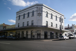 Royal Hotel - Accommodation Batemans Bay