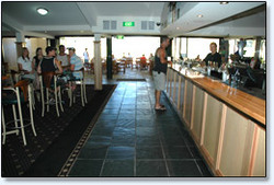 Bateau Bay Hotel - Accommodation Batemans Bay