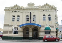 The London Hotel - Accommodation Batemans Bay