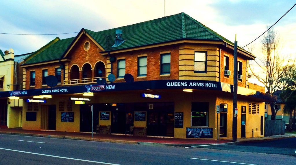 Queens Arms Hotel - Accommodation Batemans Bay