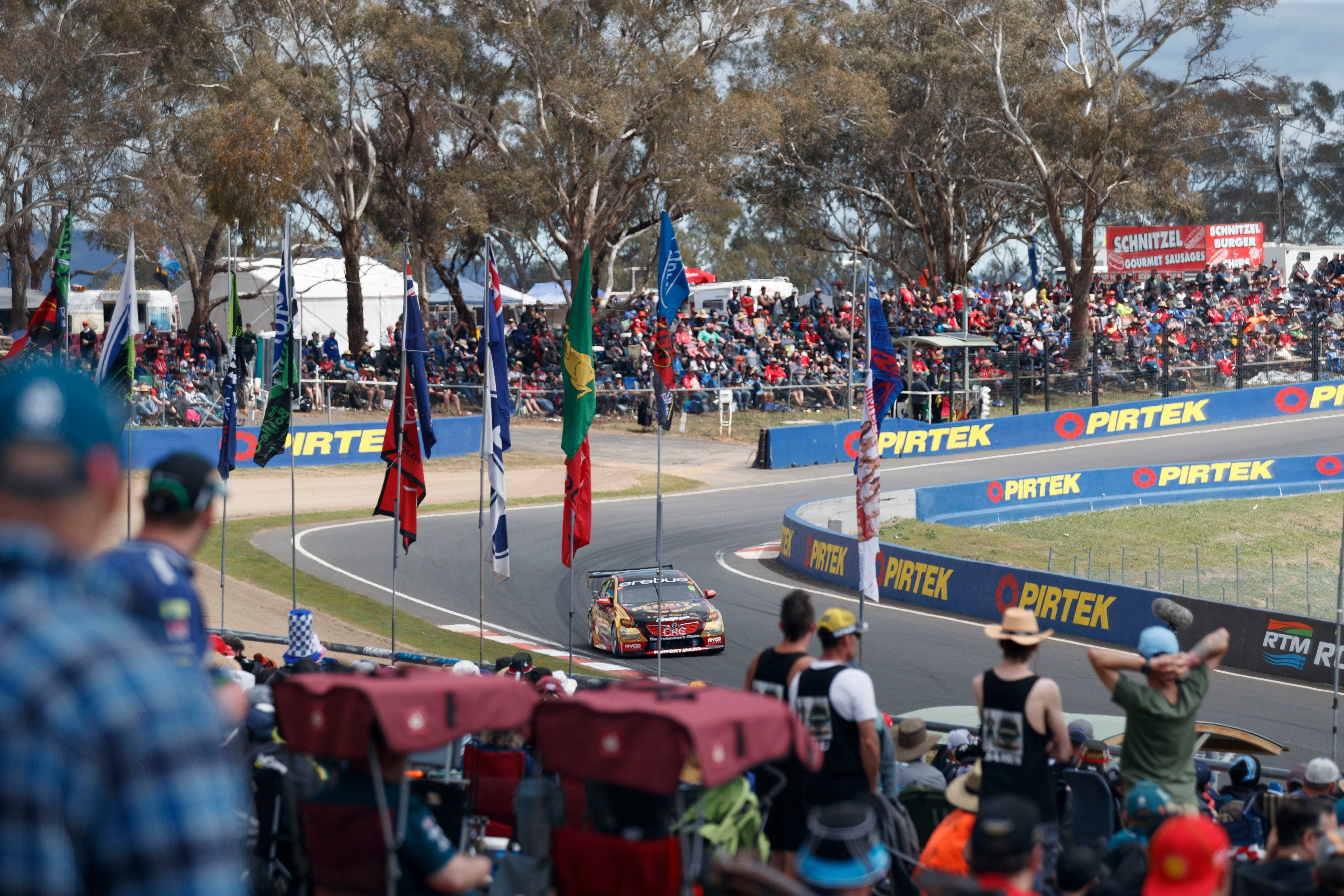 Supercars Supercheap Auto Bathurst 1000 - Accommodation Batemans Bay