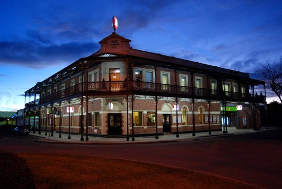 The Grand Terminus Hotel - Accommodation Batemans Bay