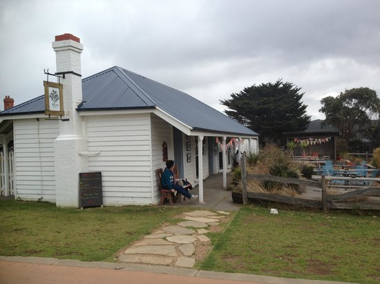 Willows Tea House - Accommodation Batemans Bay