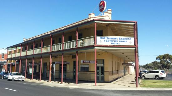 Farmers Arms Hotel - Accommodation Batemans Bay