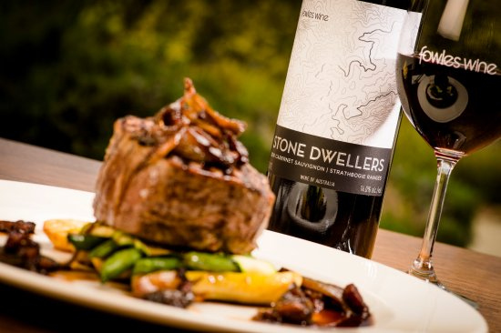 Fowles Wine Cellar Door and Cafe - Accommodation Batemans Bay