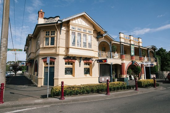 Mickey Bourke's Koroit Hotel - Accommodation Batemans Bay