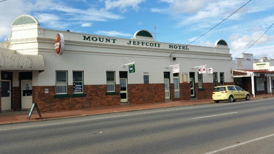 Mount Jeffcott Hotel - Accommodation Batemans Bay