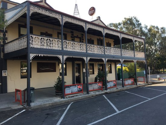 The Creekside Hotel - Accommodation Batemans Bay