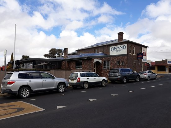Grand Hotel - Accommodation Batemans Bay
