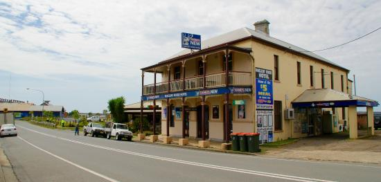 Macleay River Hotel - Accommodation Batemans Bay