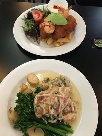 The Oaks Family Bistro - Accommodation Batemans Bay