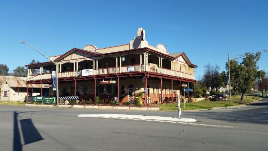 The Royal Hotel - Accommodation Batemans Bay