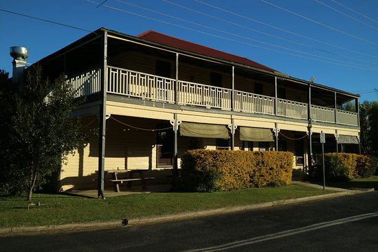 Brushgrove Hotel - Accommodation Batemans Bay