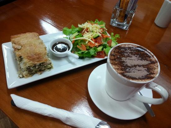 Killing Time with Coffee - Accommodation Batemans Bay