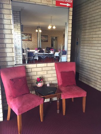 The Coral-Le Restaraunt - Accommodation Batemans Bay