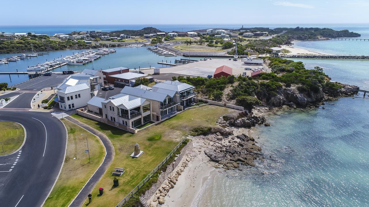 Aloha Accommodation - Accommodation Batemans Bay