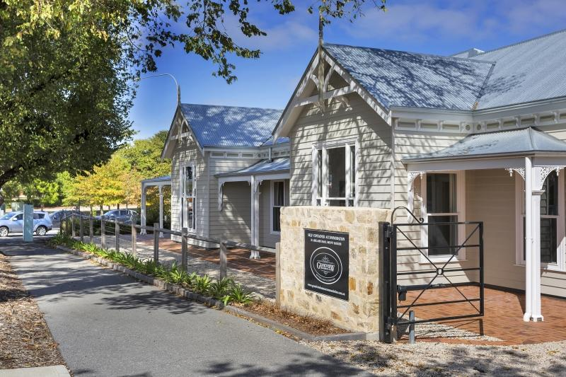 Grandview Homes Accommodation - The Adelaide - Accommodation Batemans Bay