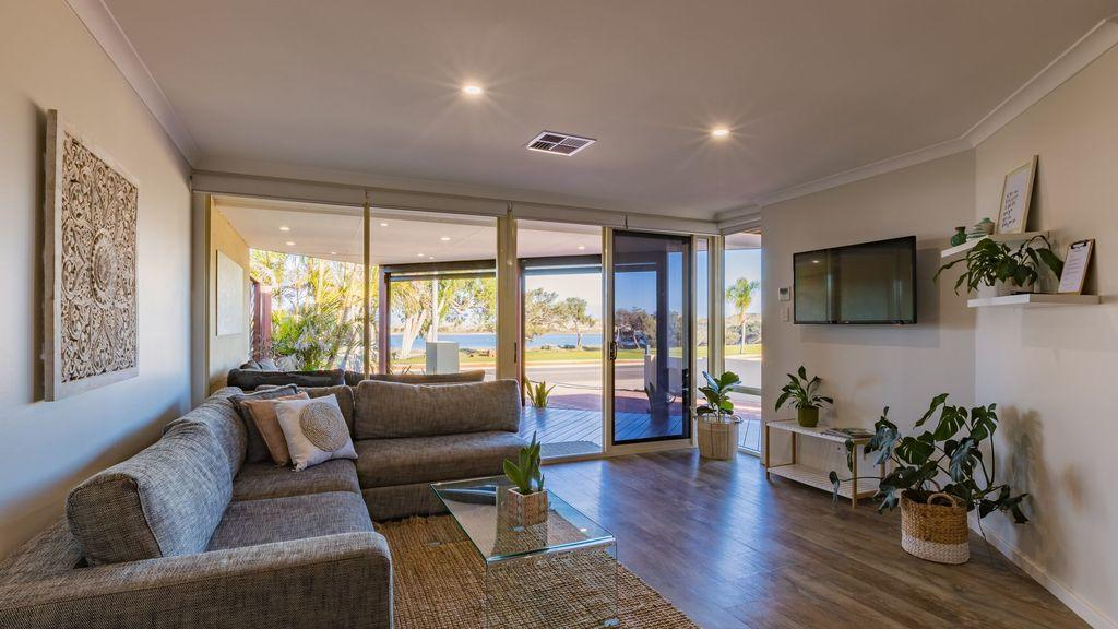 Starboard Views Kalbarri - River Front Apartment - Accommodation Batemans Bay