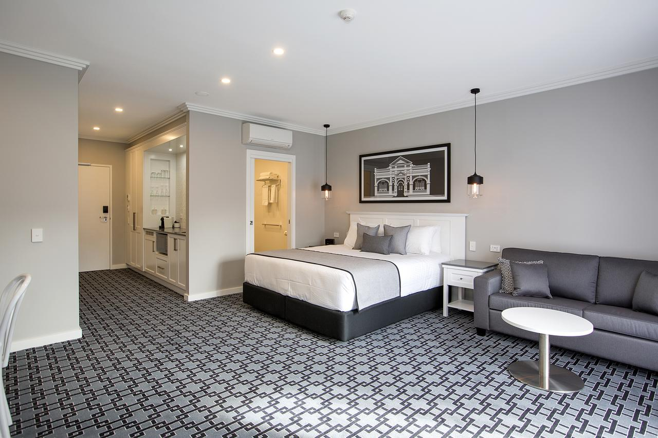 CH Boutique Hotel - Accommodation Batemans Bay