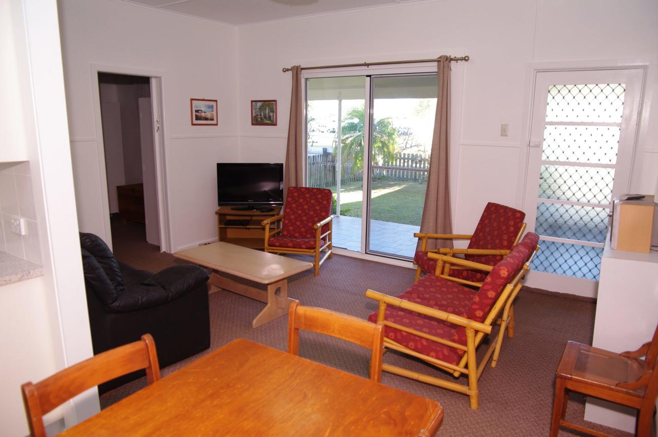Fleur Cottage 7 Willow Street - Accommodation Batemans Bay