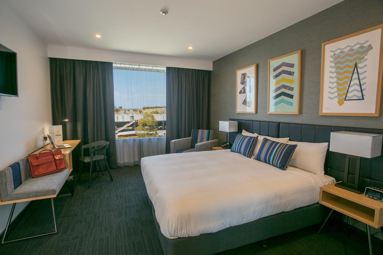 Alpha Hotel Eastern Creek - Accommodation Batemans Bay