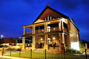 Perry Street Hotel - Accommodation Batemans Bay