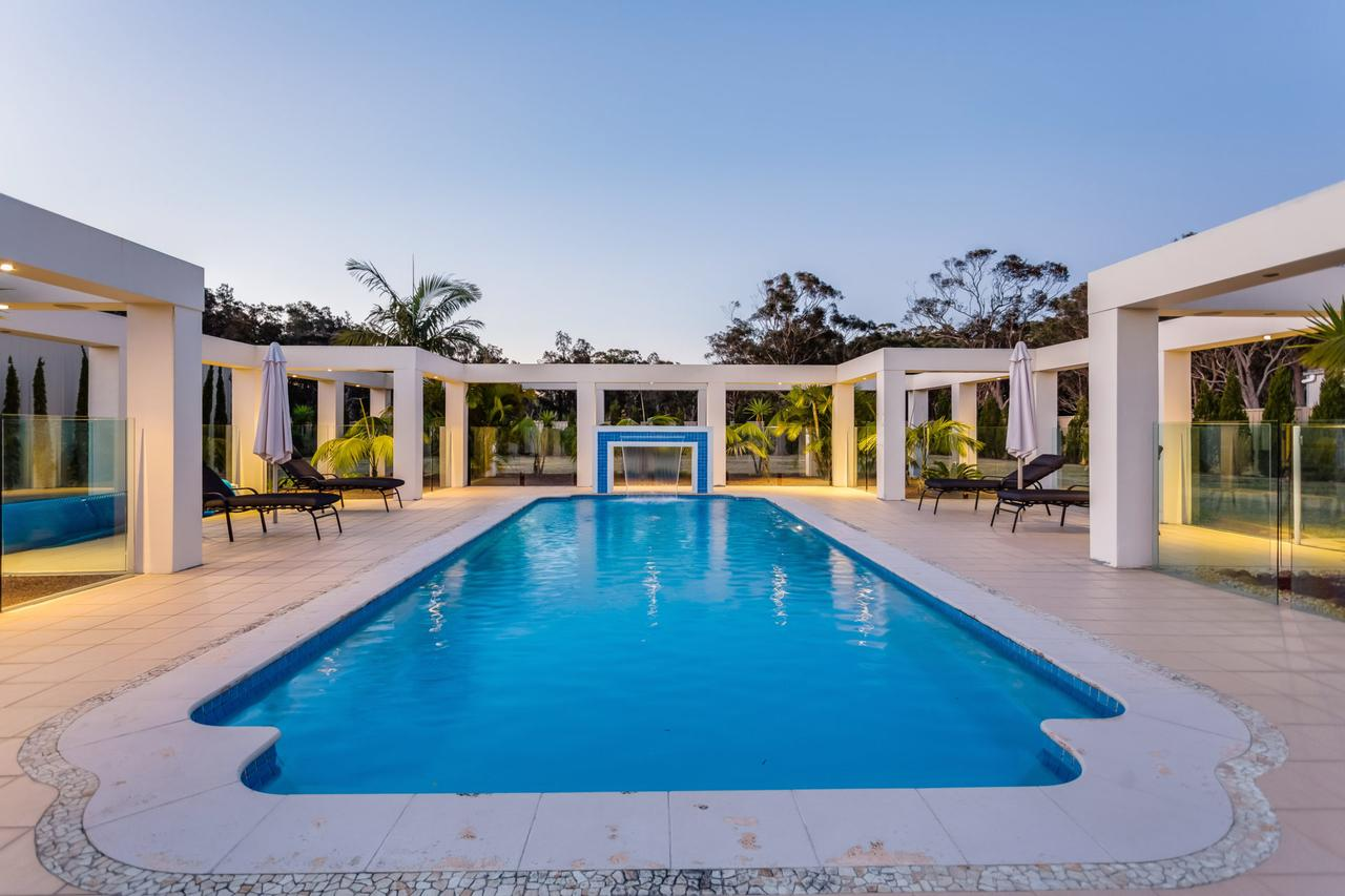 One Mile Mansion - Private Coastal Retreat FREE FAMILY ADVENTURE PASS - Accommodation Batemans Bay