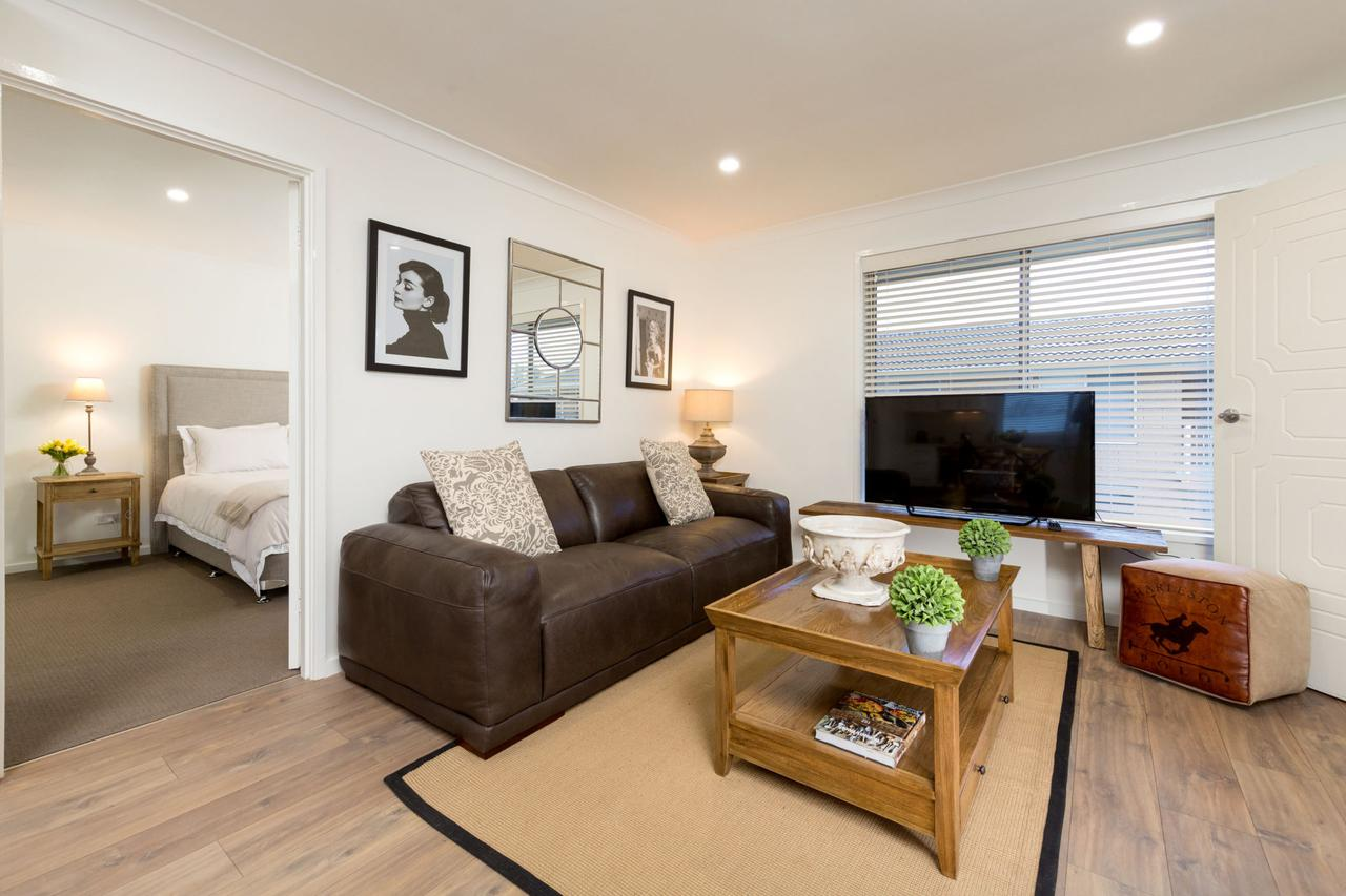 Sleeping in Style - Central  Sophisticated - Accommodation Batemans Bay