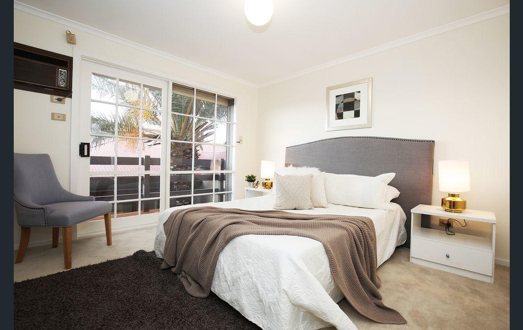 The Gallery Hours - Accommodation Batemans Bay